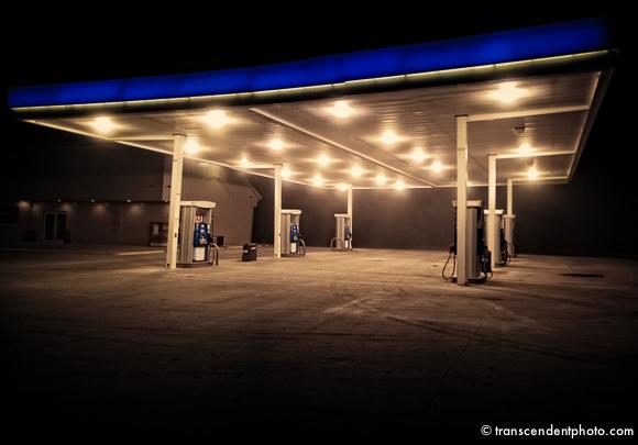 Jedynym ratunkiem był postój, gdzieś na zapomnianej, choć nowo wybudowanej stacji paliwowej