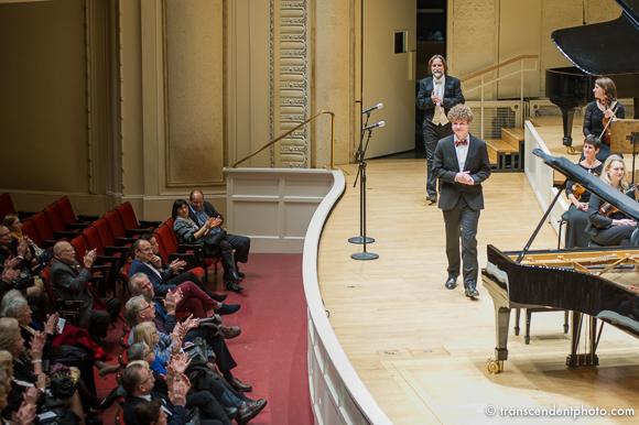 W części drugiej na scenie Orchestra Hall wystąpił zaledwie 16-letni wybitnie utalentowany Daniel Szefer.