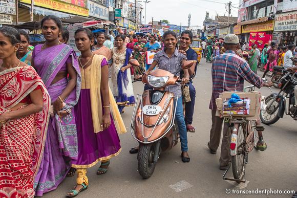 Tirunelveli – Zachwyca mnie różnokolorowość tkanin