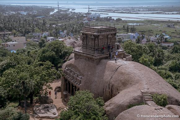 Do Pondicherry i nieco dalej - płaskorzeźby, rzeźby i architektura splatają się tu z ideami i bóstwami.