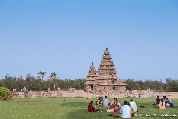 Do Pondicherry i nieco dalej - Świątynia Przybrzeżna z VII wieku składa się z 3 ozdobnych granitowych kapliczek