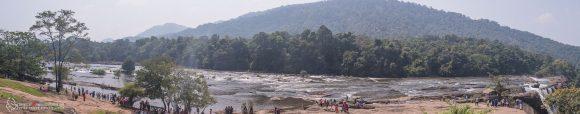Park Nelliyampathy położony wzdłuż rzeki Chalakud