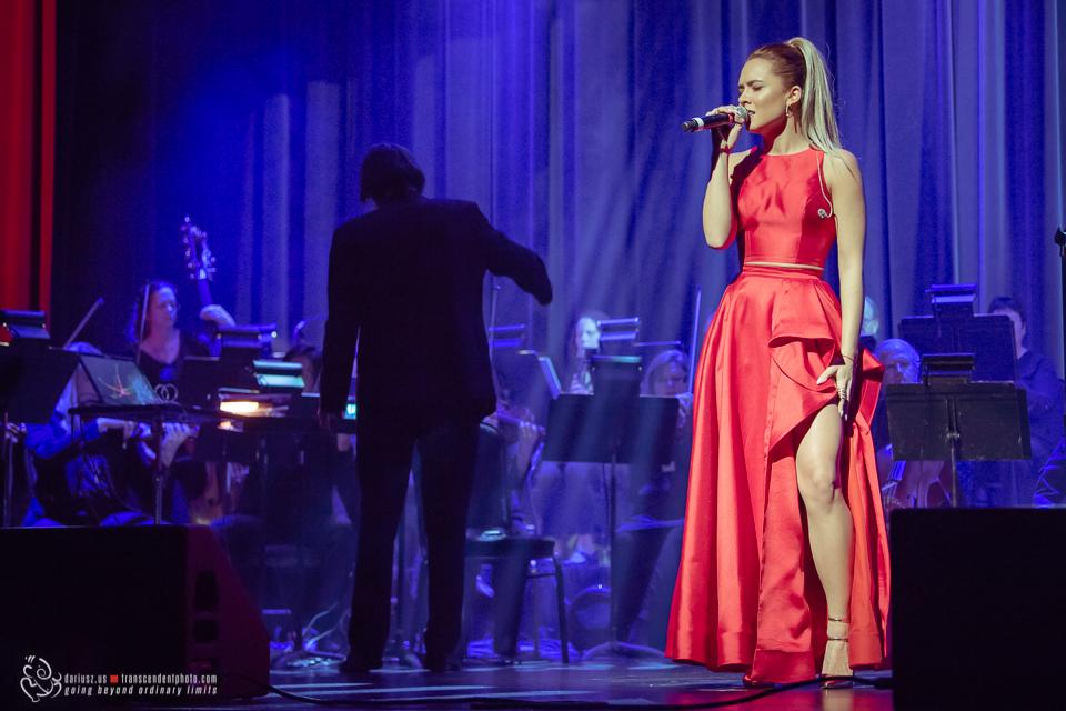Karolina Baran podczas koncertu