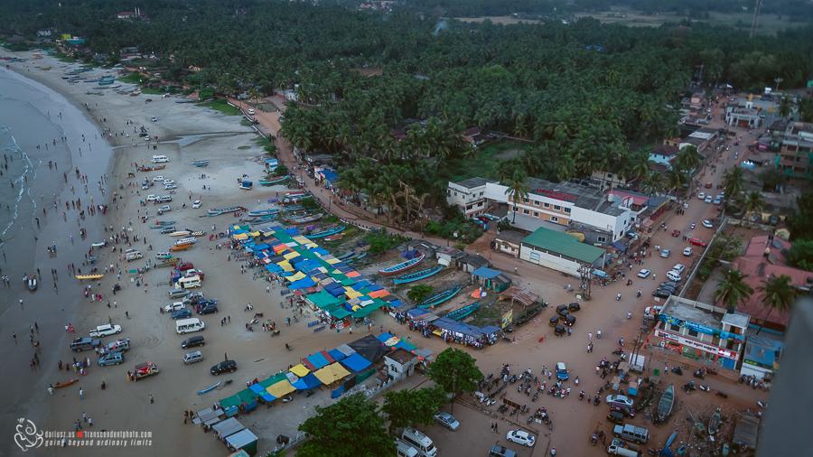 Widok na plażę z wieży gopuram w Murdeshwaram