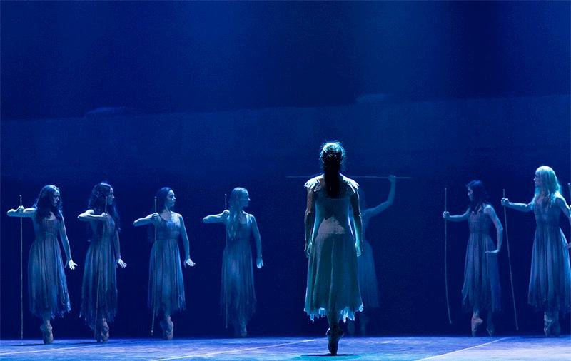 Akram Khan's Giselle, English National Ballet © Dasa Wharton