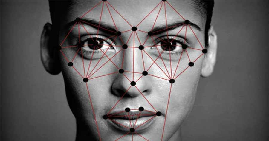 Algorytmy rozpoznaja twarz