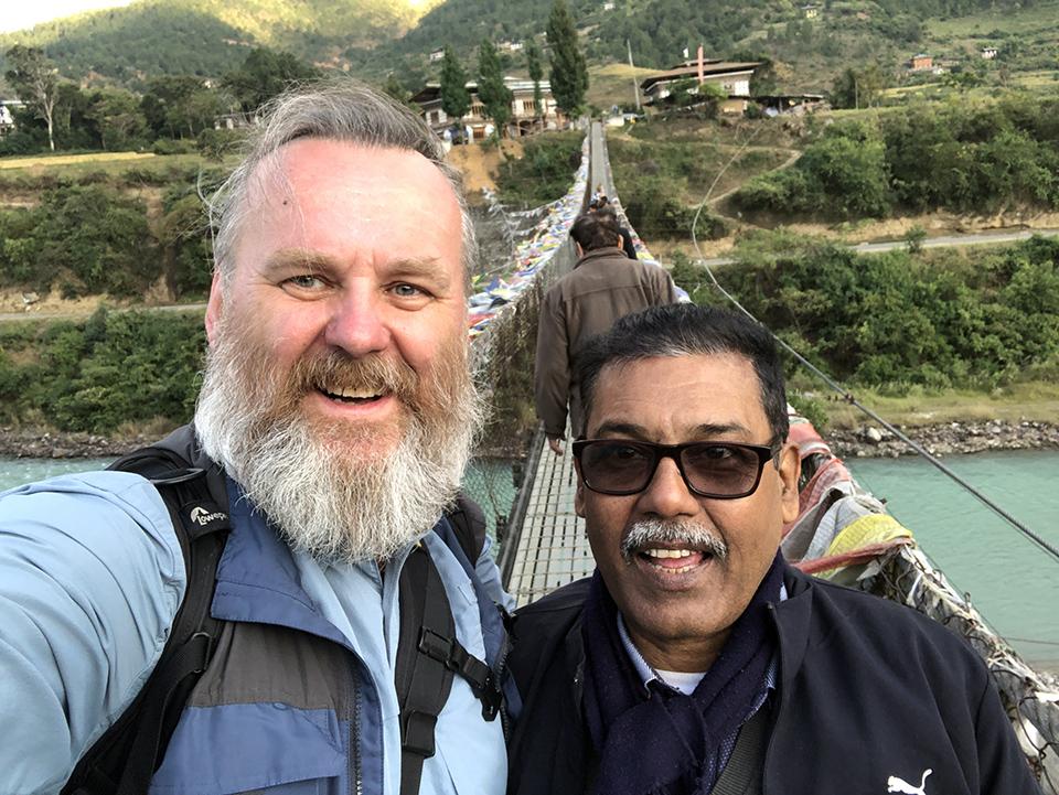 Punakha Bridge i spotkany hindus