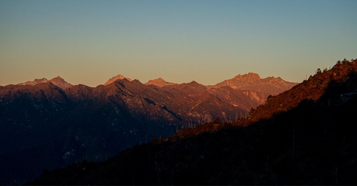 Wschód to rodzaj zadziwienia i kolejnego przebudzenia, Himalaje o poranku