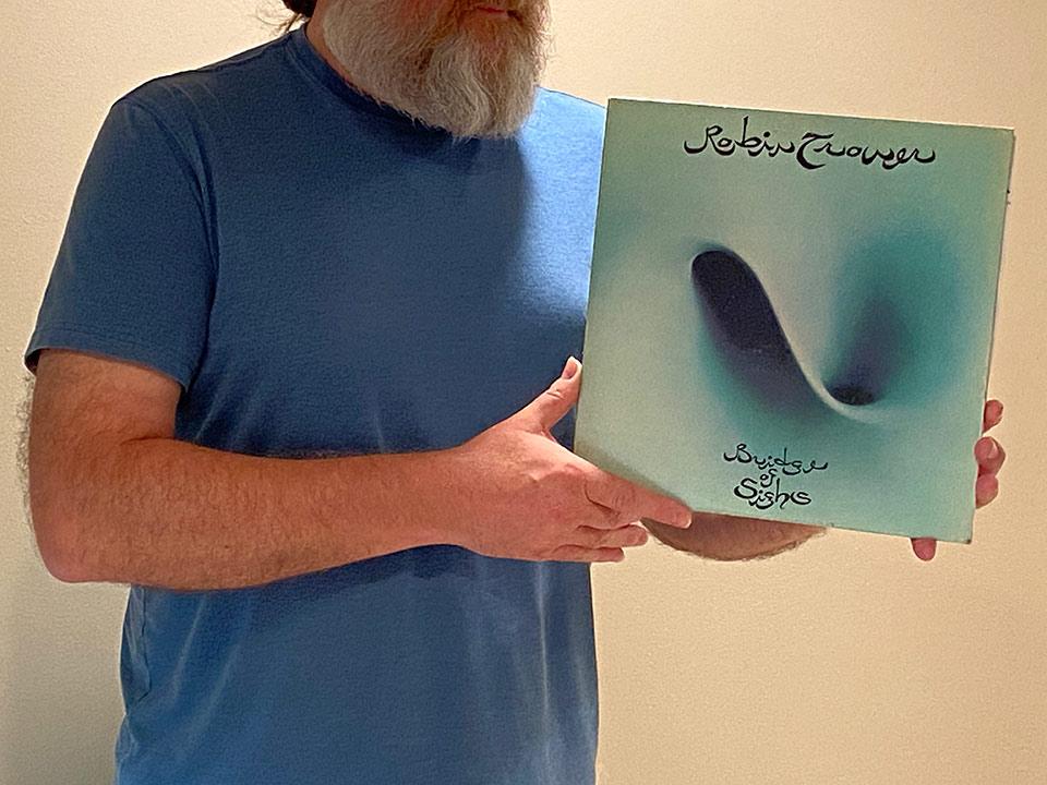 Na zdjęciu prezentuję okładkę albumu Robina Trowera Bridge of sighs