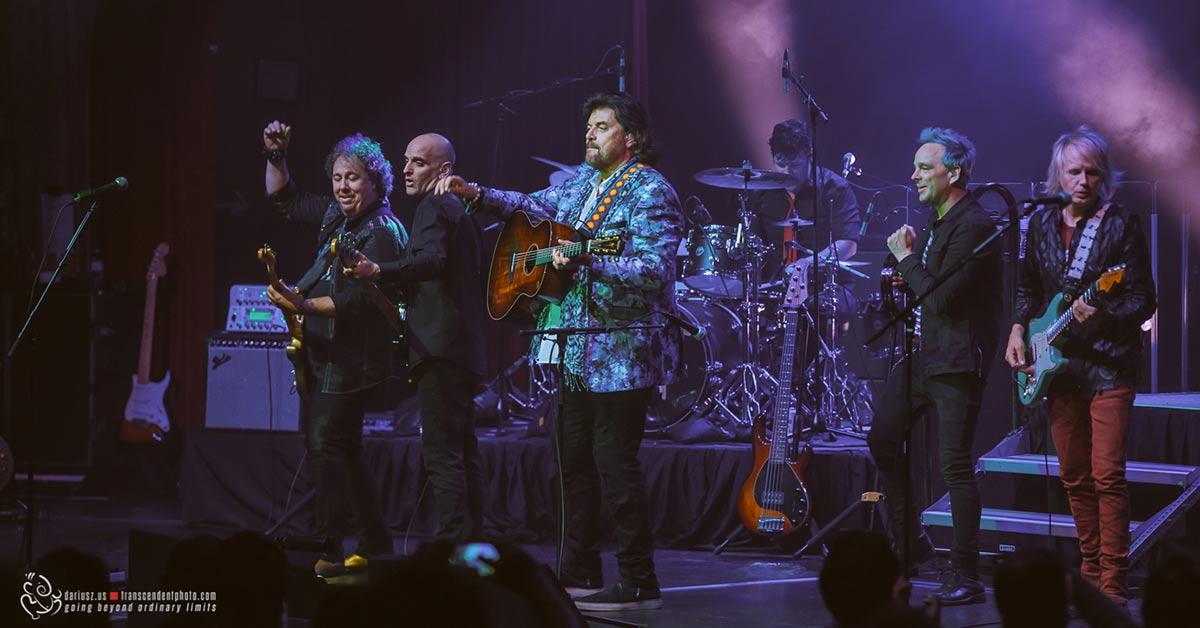 Na zdjęciu Alan Parsons podczas koncertu w Chicago