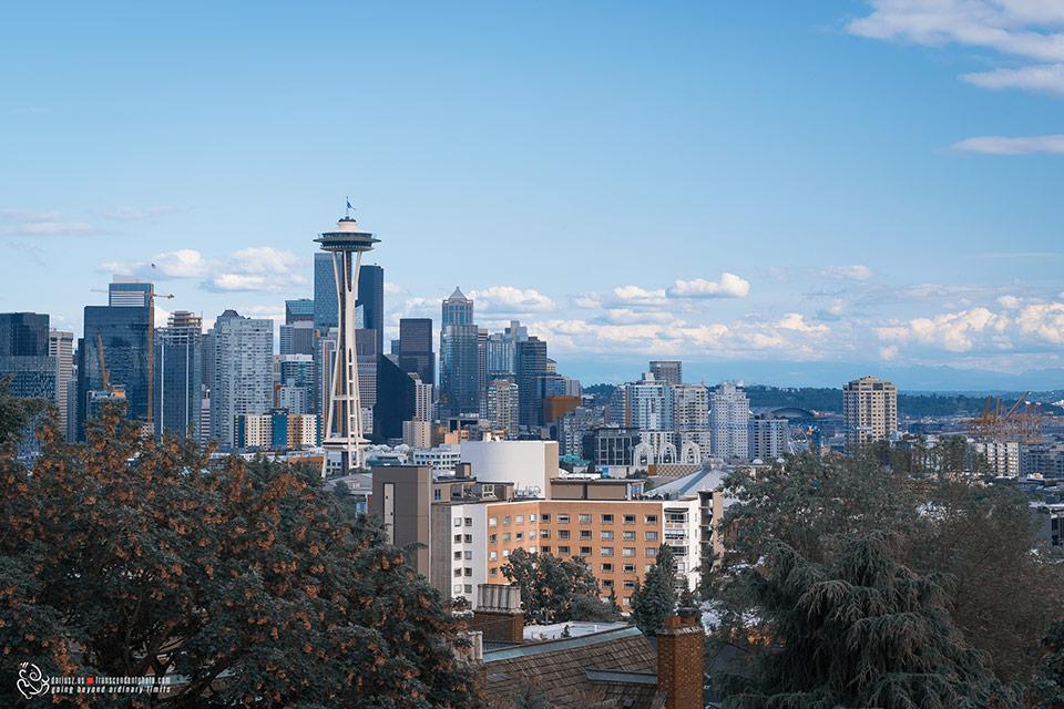 Widok na wieżę Needle w Seattle